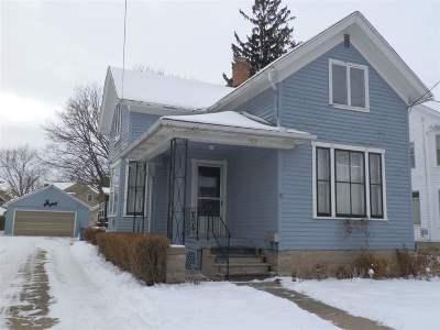 Oshkosh Single Family Home For Sale: 343 W South Park
