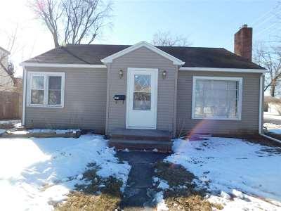 Appleton Single Family Home For Sale: 401 E Murray