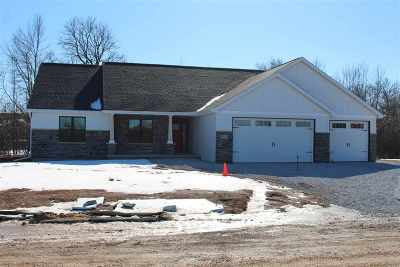 Neenah Single Family Home For Sale: 2023 Big Bend