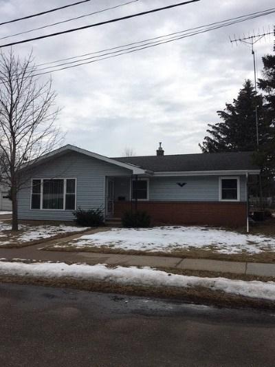 Oshkosh Single Family Home For Sale: 1010 Mason