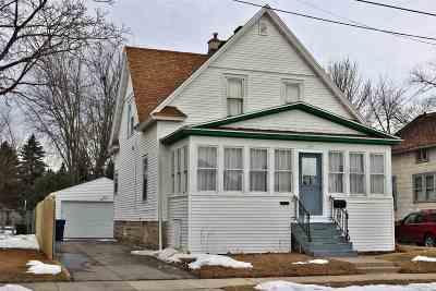 Oshkosh Single Family Home For Sale: 712 W 8th