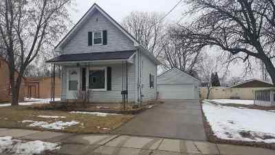 Little Chute Single Family Home Active-Offer No Bump: 813 Monroe