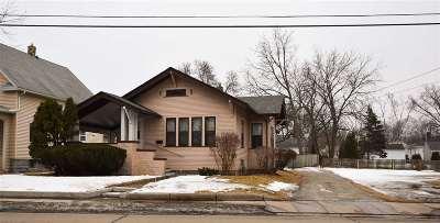 Oshkosh Single Family Home For Sale: 645 W South Park