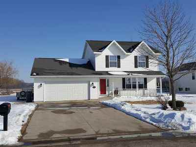 Menasha Single Family Home Active-Offer No Bump: N8972 Lilac