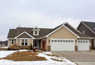 Menasha Single Family Home Active-Offer No Bump: 968 Lotus