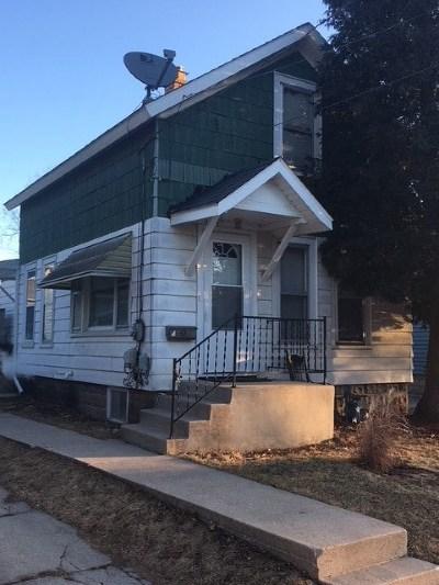 Oshkosh Single Family Home For Sale: 1304 Otter