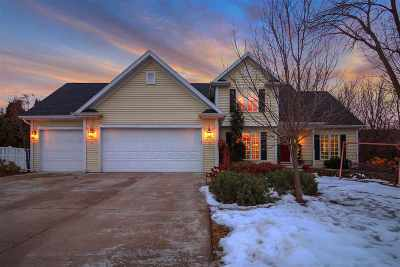 Menasha Single Family Home Active-Offer No Bump: 1617 Northridge