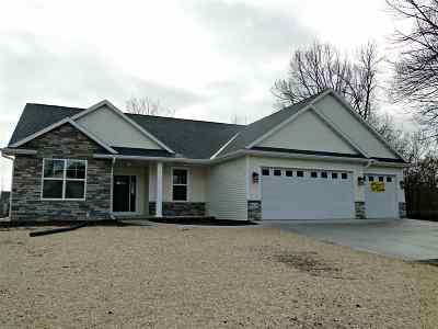 Greenville Single Family Home Active-No Offer: W6776 Prescott