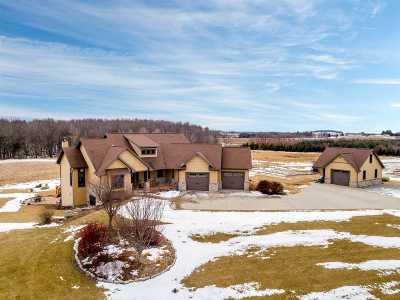 Single Family Home For Sale: W7083 Center Valley