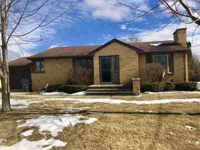 Seymour Single Family Home For Sale: 618 Fulton