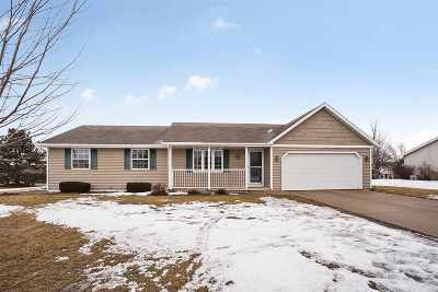 Luxemburg Single Family Home For Sale: 1720 Charles