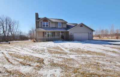 Little Suamico Single Family Home Active-Offer No Bump: 5207 Twilight