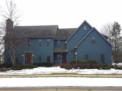 Appleton Single Family Home For Sale: 321 E Castlebury