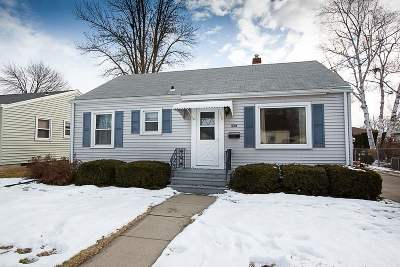 Menasha Single Family Home Active-Offer No Bump: 867 Marquette