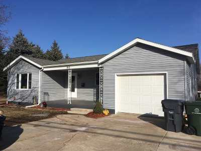 Seymour Single Family Home Active-Offer No Bump: 910 Ivory