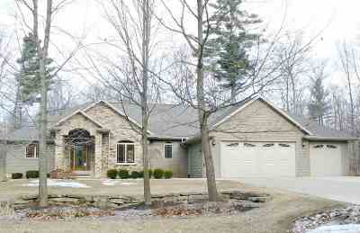 Little Suamico Single Family Home Active-No Offer: 5906 Havenwood Hills