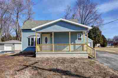 Kaukauna Single Family Home Active-No Offer: 239 Ryan