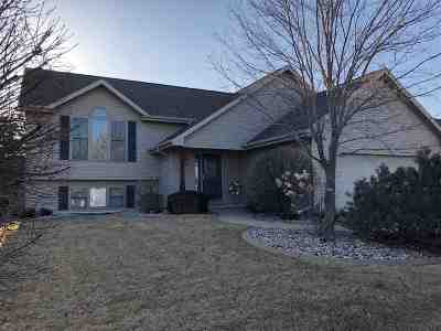 Oshkosh Single Family Home Active-No Offer: 349 Sunnybrook