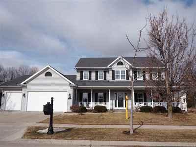 Appleton Single Family Home For Sale: 208 E Stratford