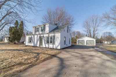 Menasha Single Family Home Active-Offer No Bump: 1732 Plank