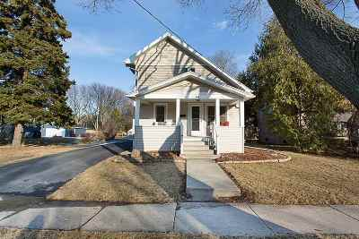 Neenah Single Family Home For Sale: 642 Congress