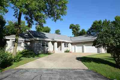 Sherwood Single Family Home Active-No Offer: N7797 Spurline