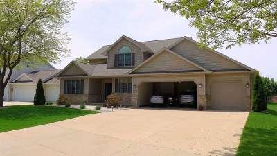 Appleton Single Family Home For Sale: 1001 Crocus