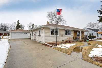 Menasha Single Family Home Active-Offer No Bump: 1448 Lilly