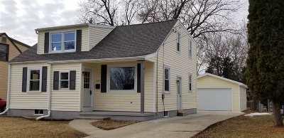 Menasha Single Family Home Active-Offer No Bump: 850 Martin