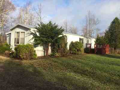 Oconto Falls WI Single Family Home For Sale: $77,000