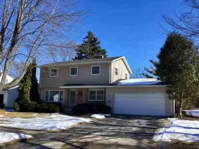 Neenah Single Family Home Active-Offer No Bump: 1072 Oak