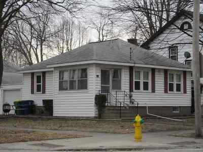 Green Bay Single Family Home Active-Offer No Bump: 834 Harrison