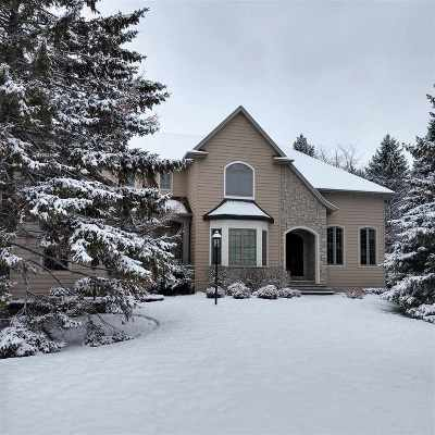 Neenah Single Family Home Active-No Offer: 1519 Hidden Acres
