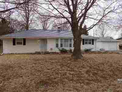 Neenah Single Family Home For Sale: 704 Vera