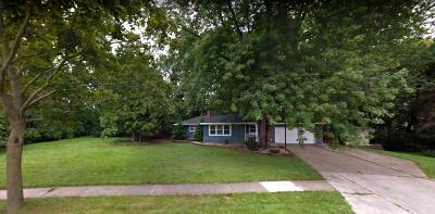 De Pere Single Family Home Active-No Offer: 412 Bomier