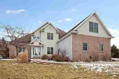 Neenah Single Family Home For Sale: 3565 Dekalb