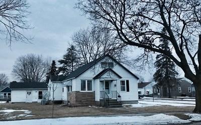 Marinette Single Family Home For Sale: 301 Burns