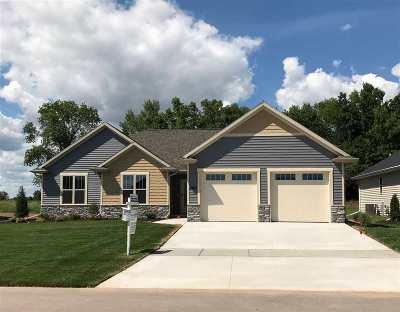 Menasha Single Family Home Active-No Offer: 2920 Villa