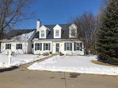 Kaukauna Single Family Home Active-Offer No Bump: 2 Woodhaven