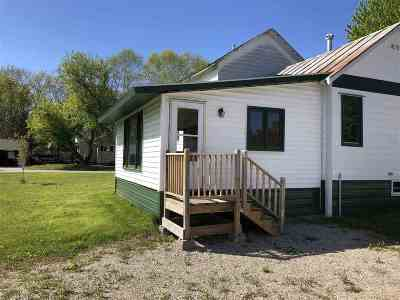 Oconto Single Family Home Active-No Offer: 301 Hansen