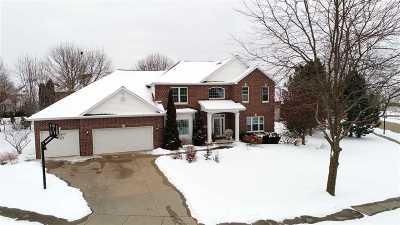 Appleton Single Family Home For Sale: 212 E Castlebury
