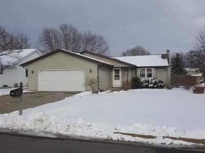 Menasha Single Family Home Active-Offer No Bump: 1241 Briarwood
