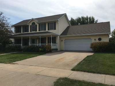 Oshkosh Single Family Home Active-No Offer: 1065 Laager