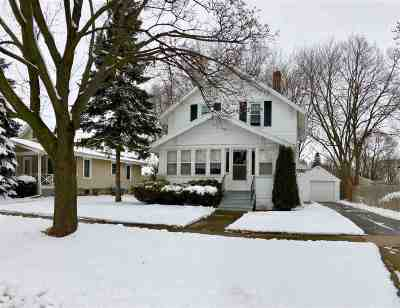 Appleton Single Family Home For Sale: 526 E Lincoln