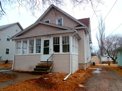 Oshkosh Single Family Home Active-No Offer: 1618 Minnesota