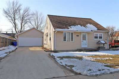 Appleton Single Family Home For Sale: 419 E Calumet