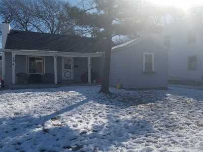Neenah Single Family Home For Sale: 604 Maple