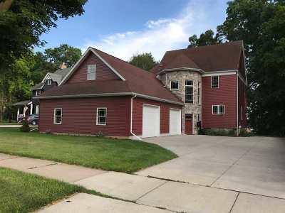 Kaukauna Single Family Home Active-Offer No Bump: 611 W Wisconsin