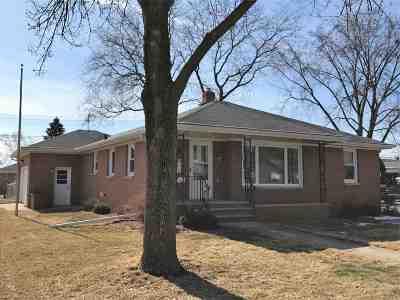 Green Bay Single Family Home Active-Offer No Bump: 1658 Lilac