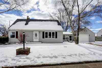 Appleton Single Family Home For Sale: 541 E Carroll